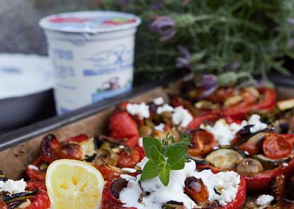 Co jíst v těchto vedrech? Třeba originální jogurtové menu, které vás skvěle osvěží.