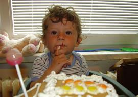 1. narozeniny a boj s jídlem