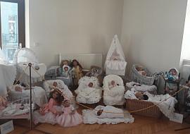 Výstava uměleckých panenek