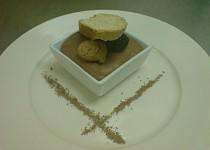 Čokoládová pena/ Chocolate mousse/ Mousse aux chocolat