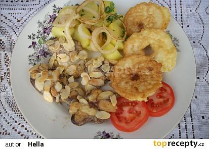 Kuřecí játra s mandlemi a jablky
