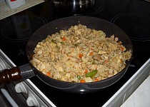 Kuřecí rizoto se zeleninou a žampiony