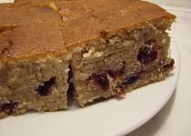 Oříškovo-brusinkový chlebíček(hrnkový)