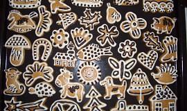 Perníčky zdobené čokoládou