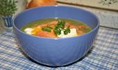 Špenátový krém s uzeným lososem a ztraceným vejcem