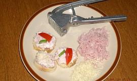 Křenová pomazánka se sýrem