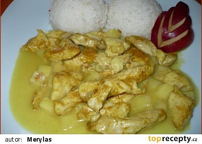 Kuře na kari se smetanou a jablky