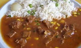 Mexický guláš s hráškovou rýží a uzeným sýrem