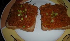 Toasty s pomazánkou ze sojového granulátu