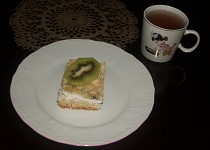 Tvarohový koláč s kiwi