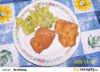 Tady jsou zelené brambory k řízkům...