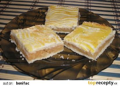 Jablkový mřížkový koláč