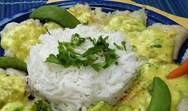 Pangas se zeleninou ve smetanové kari omáčce