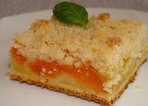 Rychlý koláč s meruňkami