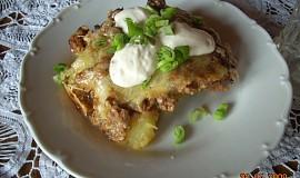 Zapečené brambory s mletým masem a se sýrem