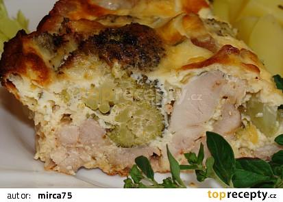 Brokolice s kuřecím pod zakysankou