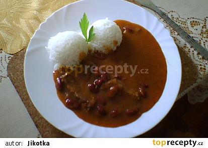 Hovězí roštěnec s fazolemi