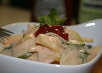 Paprikový salát s okurkou