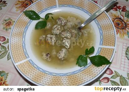 Polévka s drožďovo-klouzkovými nočky