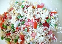 Těstovinový salát z instantních těstovín