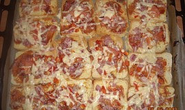 """Toustová  """"pizza"""" - rychlá večeře"""
