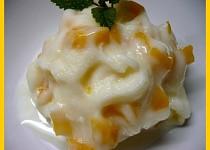 Zmrzlina z broskvového kompotu