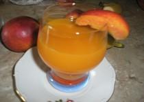 Broskyňový nápoj