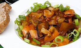 Guláš s hub a paprik