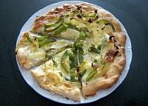 Kapustová pizza s paprikou