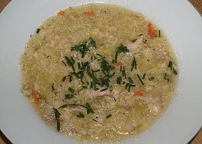 Kuřecí polévka s kapustou