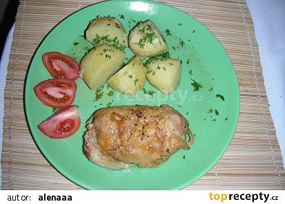 Kuřecí stehna se sýrovo-česnekovou náplní
