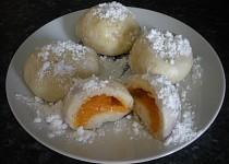Kynuté knedlíky - meruňkové s tvarohem