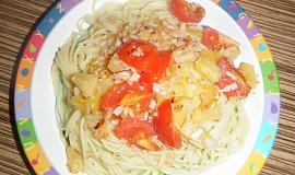Špagety se šunkou a ananasem