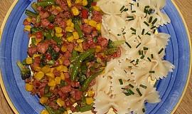 Zeleninová směs se salámem