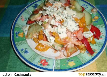 Zeleninový salát s nivou