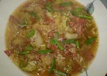 Kapustovo-brokolicová polévka s rýží a uzeninkou