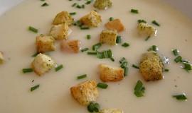 Květáková polévka se sýrem