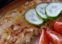 Omeleta s paprikou a cibulí