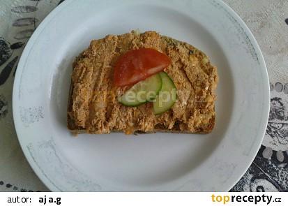 Výborná na grahamovém chlebíku