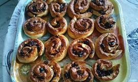 Rozinkovo-ořechové šneky