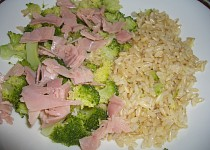 Rýže natural s brokolicí a šunkou