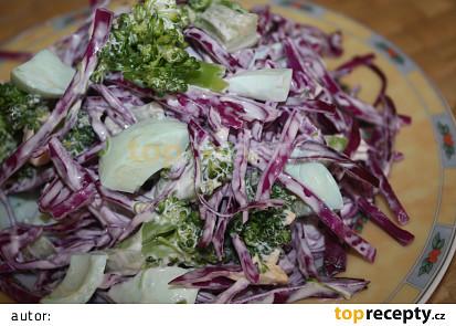 Salát s brokolicí