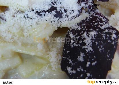 široké nudle se sýrem