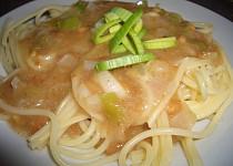 Špagety s arašídovou omáčkou