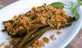 Zelené fazolové lusky se strouhankou