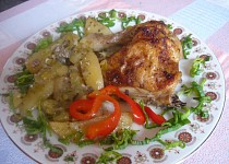Kuře na bramborách a pórku