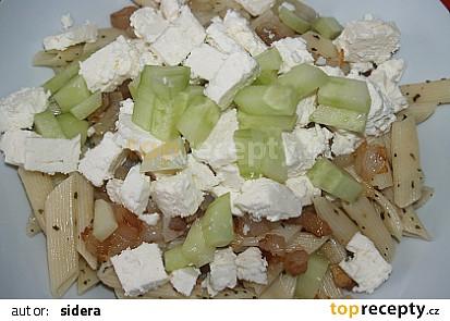 těstoviny s balkánským sýrem