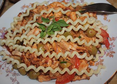 Drůbeží maso s pestem z ricotty a oříšků