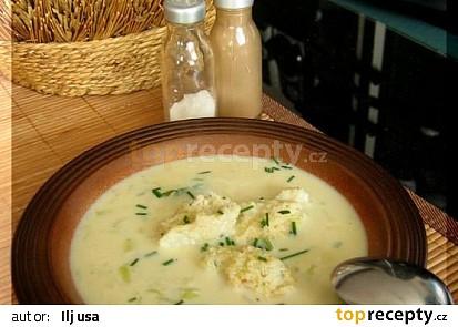 knedlíčky v pórkové polévce