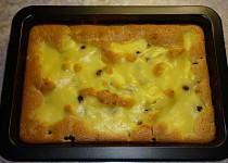 Ovocný koláč s vanilkovou polevou